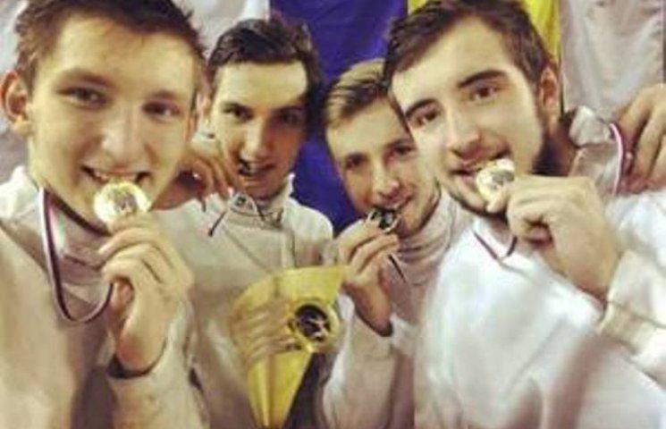 Закарпатський шпажист у складі збірної здобув золото на етапі кубка світу