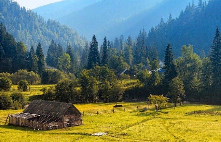 Як взимку 8 000 фото можуть розповісти про літні Карпати