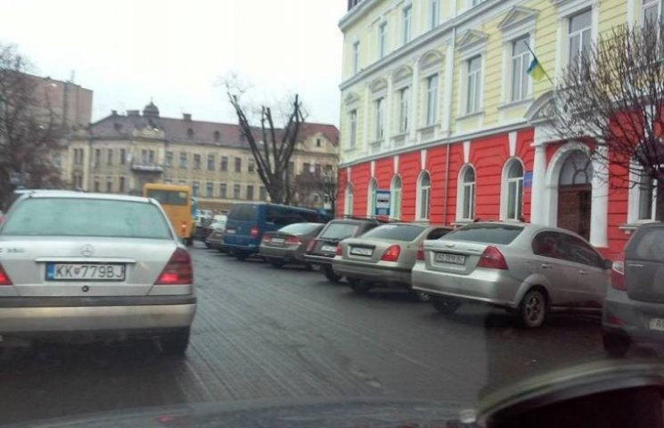 """У центр Ужгорода повернулися """"олені"""""""