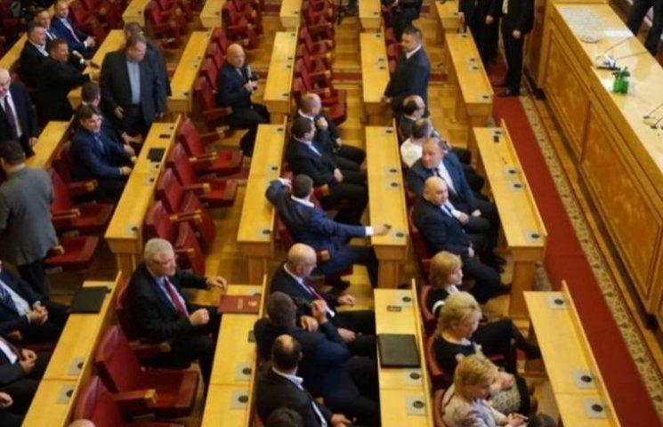 Закарпатські депутати зберуться 22 грудня