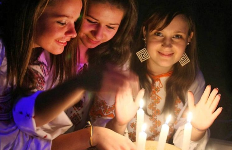 Дівчатам на замітку: Слово, без якого ворожіння на Андрія буде марним