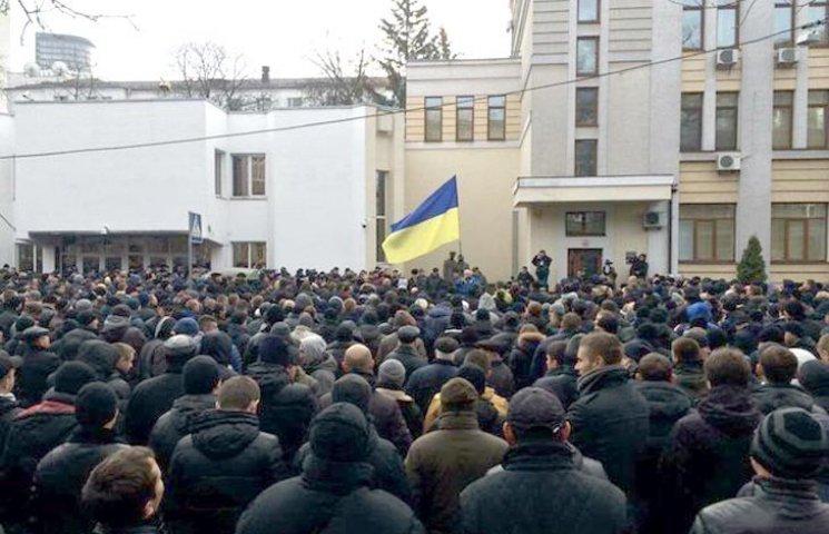 """Наскільки небезпечні для України 70 тис. """"мєнтів""""-двієчників"""