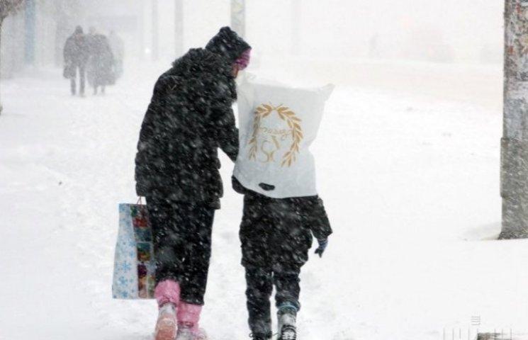 Ужгородські комунальники готові до снігопаду, але тільки з четверга