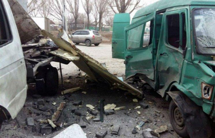 У Красноармійську стався вибух на СТО: автівки розлетілися вщент (ФОТО)