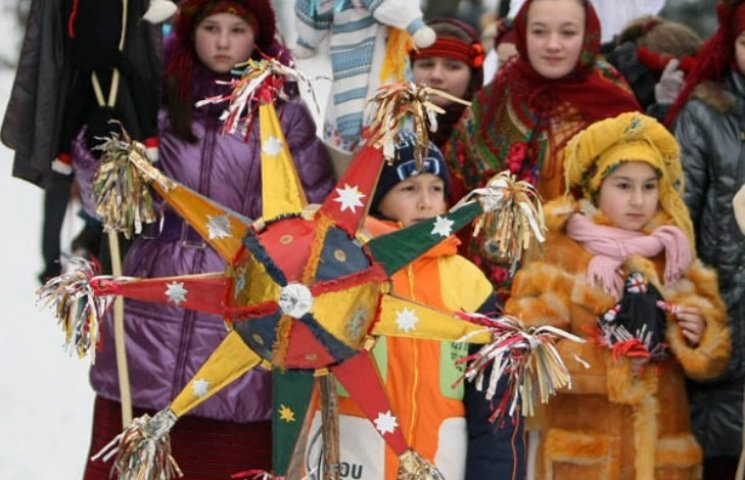 Ужгород розпочинає новорічно-різдвяні святкування (ПРОГРАМА)