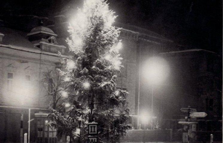 Казкове фото: Якою була головна ялинка Мукачева у 1940 році