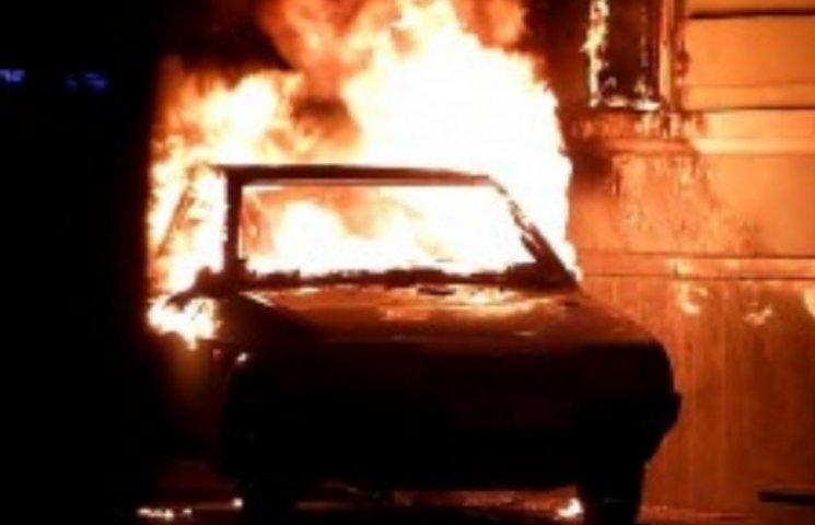 На Закарпатті за вихідні згоріли дві автівки