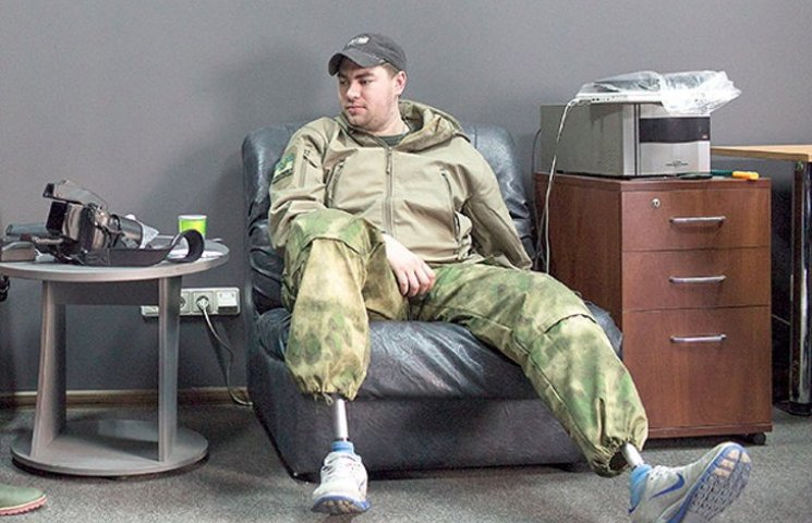"""Пісню """"Мить"""" Вакарчук присвятив кіровоградському бійцю"""