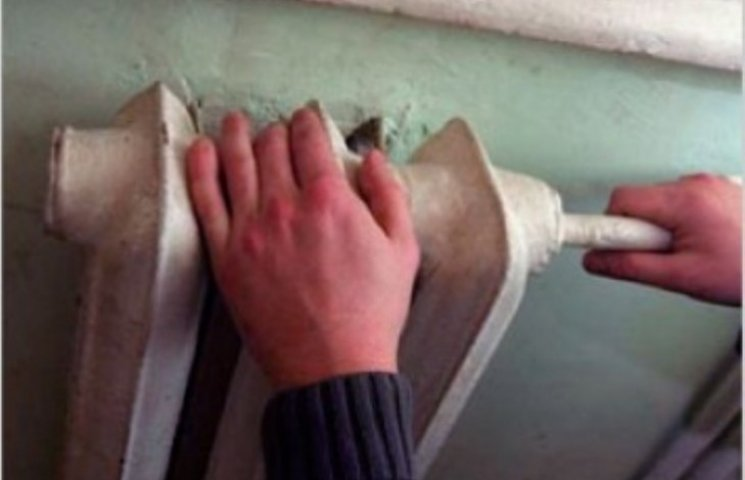 В одній із шкіл Ужгорода температура повітря не піднімається вище +14