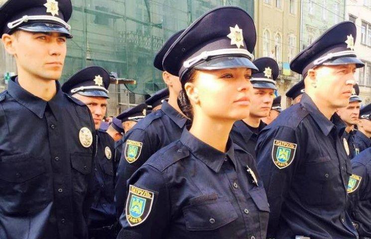 У Вінниці в новій поліції служитимуть 35 дівчат