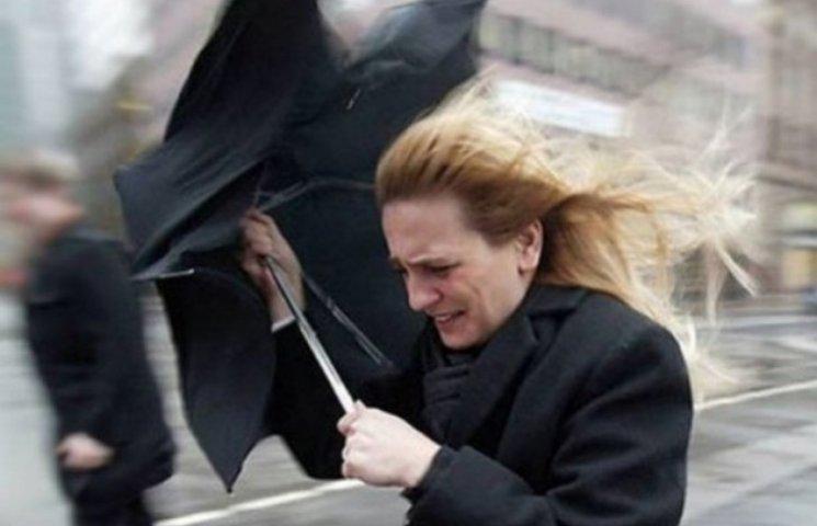 У Києві штормове попередження: Очікується шквальний вітер
