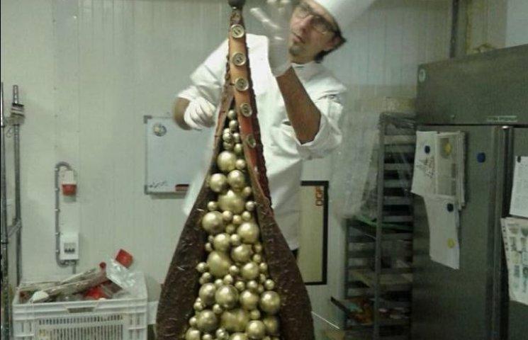 В Ужгороді створили ялинку із золота та шоколаду