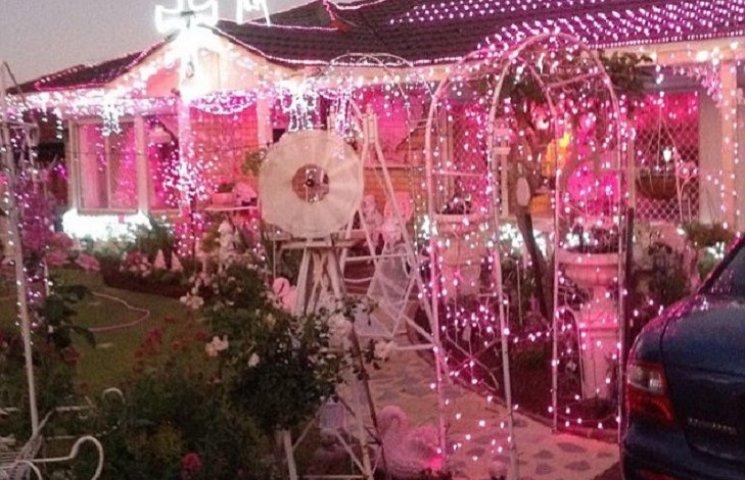 Как выглядит дом женщины, помешанной на розовом цвете