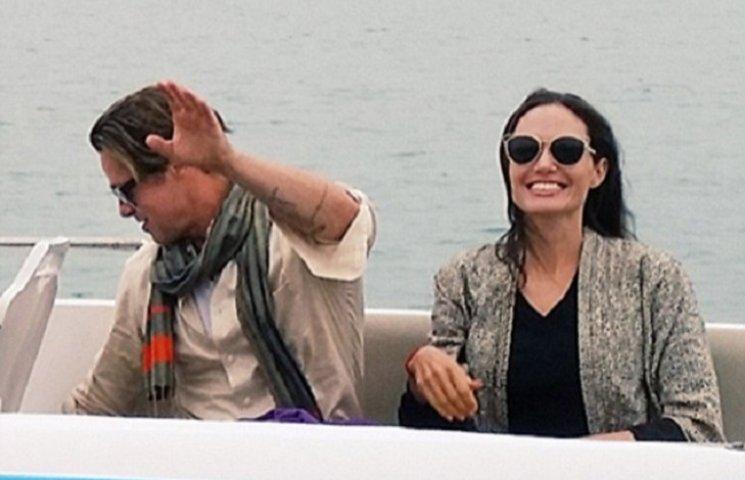 Як Анджеліна Джолі та Бред Пітт на каяках каталися