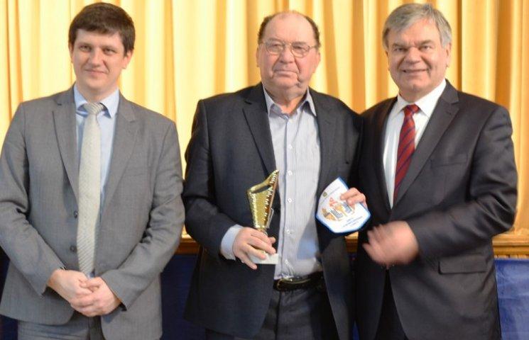 Міносвіти нагородило ректора СумДУ за фінансову підтримку студентів-спортсменів
