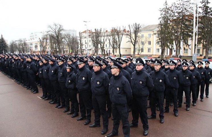 В новой полиции Хмельницкого - красавицы и чемпионки