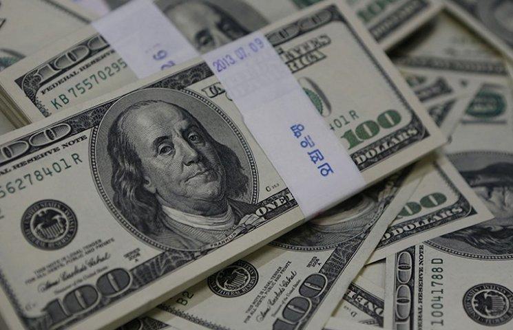Експерт: Гонтарєва порахувала, що долар наступного року буде не менше 30 гривень