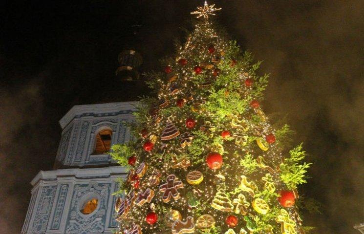 Як змінювалася головна новорічна ялинка України протягом півстоліття