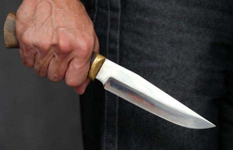 Сумський студент отримав ножове поранення у живіт під час сварки