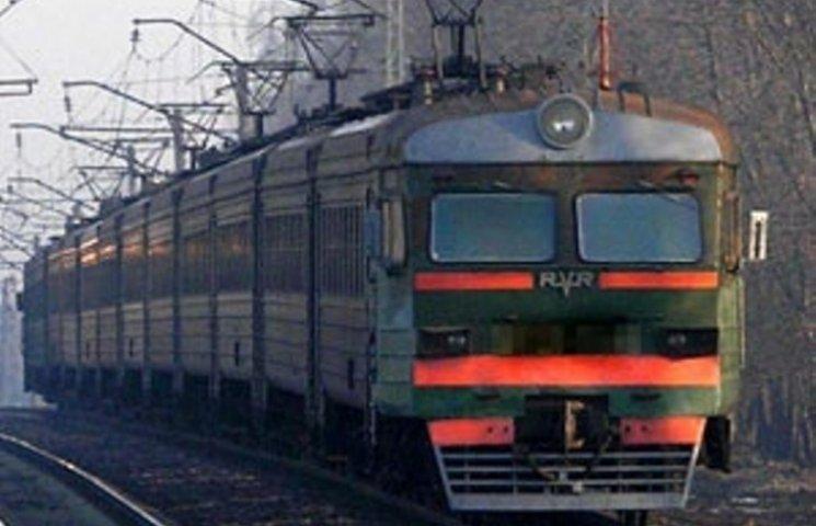 У Мукачеві під потяг потрапила 15-річна дівчина