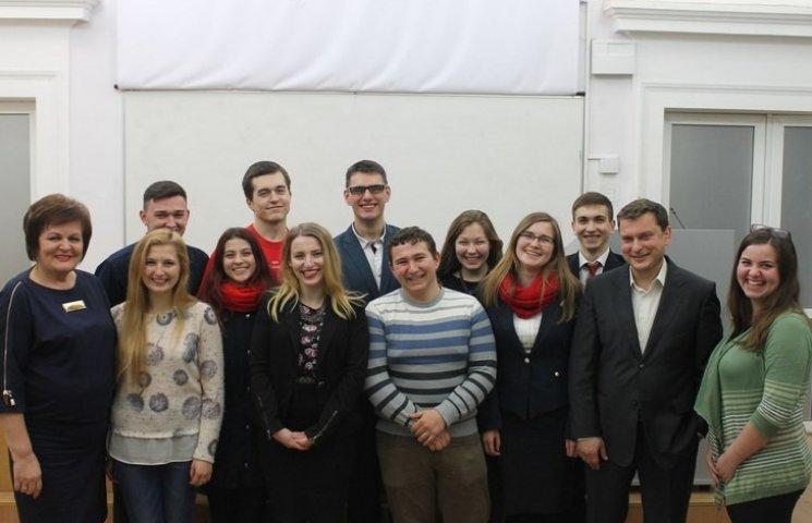 Вінницькі студенти створили систему онлайн-пошуку тварин у притулках