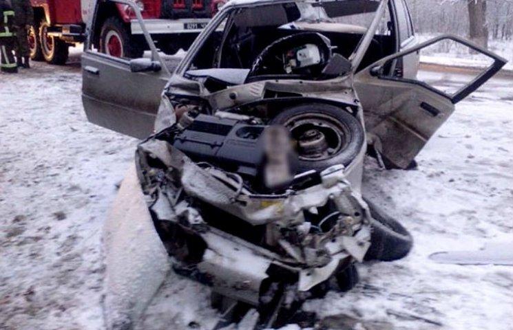 В ДТП на Полтавщине автомобиль разорвало на куски