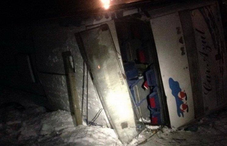 В ДТП автобуса с детьми на Днепропетровщине 40 пострадавших: погибла прохожая