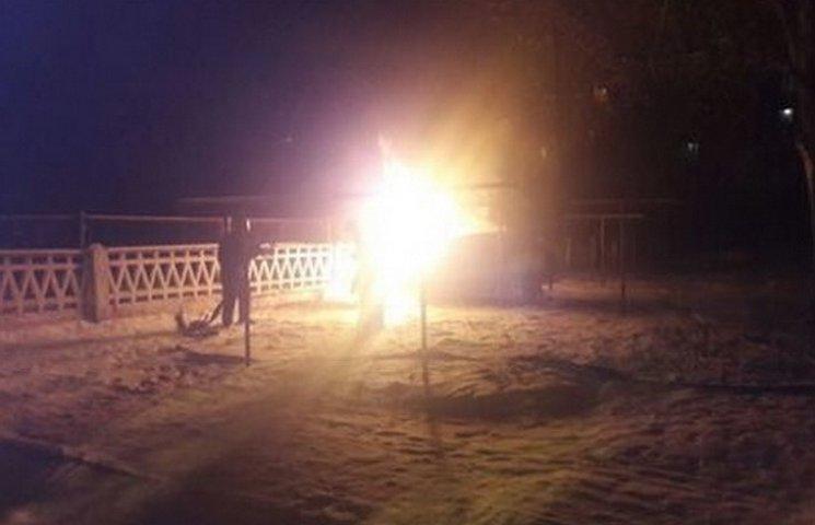 В Кривом Роге мужчина заживо сгорел в своем авто