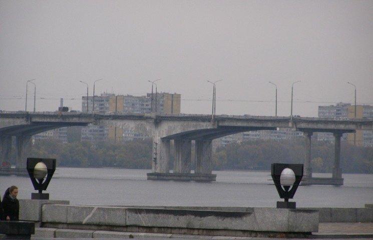 Стало известно время начала ремонта центрального моста в Днипре