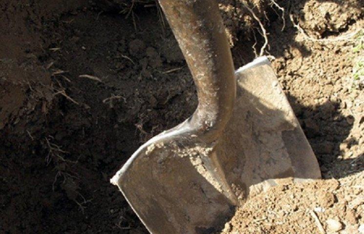 На Запорожье похищенного предпринимателя заживо зарыли в землю