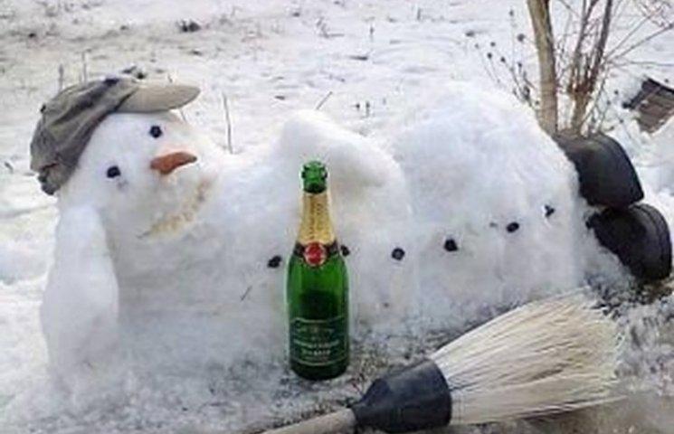 У Дніпрі сексі-сніговичка заманює клієнтів