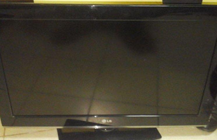 Прийшов в гості і вкрав телевізор: Як у Миргороді хлопець обікрав свого знайомого