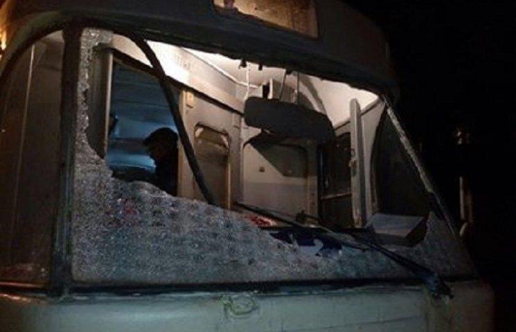 У Дніпрі внаслідок чергового обстрілу трамваю поранено водія