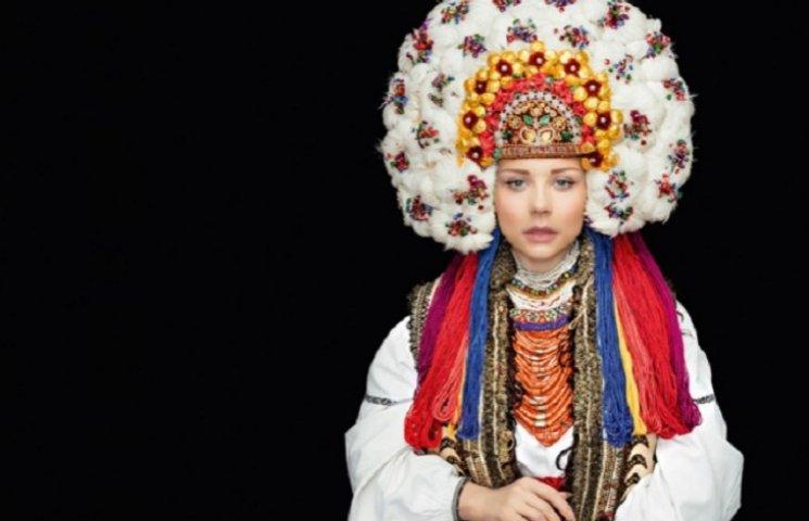 Кароль, Фреймут, Ефросинина нарядились в роскошные украинские наряды