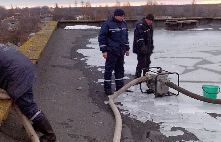 У райцентрі на Дніпропетровщині затопило поліклініку