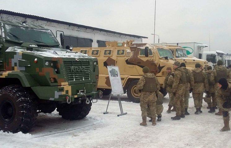 """Автомобили """"КрАЗ"""" получили положительные отзывы на военных учениях"""