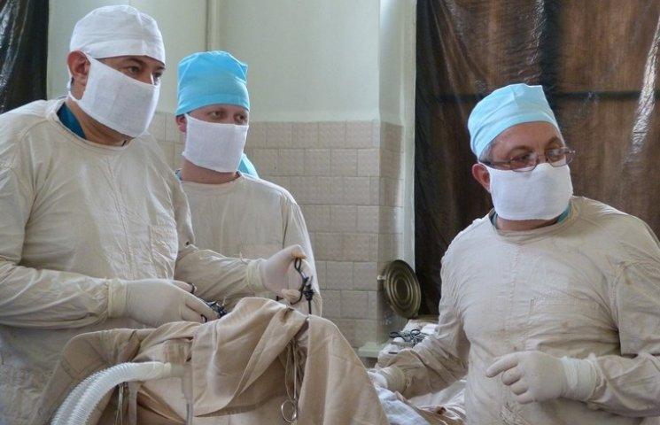 """Військовий хірург: """"Війна не передбачає, що всіх врятують"""""""