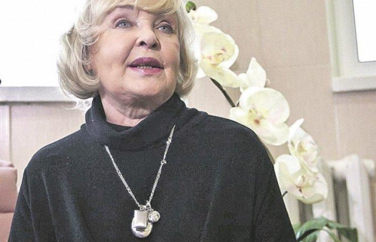 Роговцева з лікарні попросила допомагати пораненим бійцям