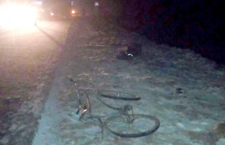 На Полтавщині під колесами вантажівки загинув велосипедист