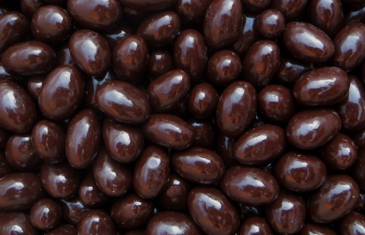 Чому в шоколадних цукерках полтавської фабрики немає шоколаду