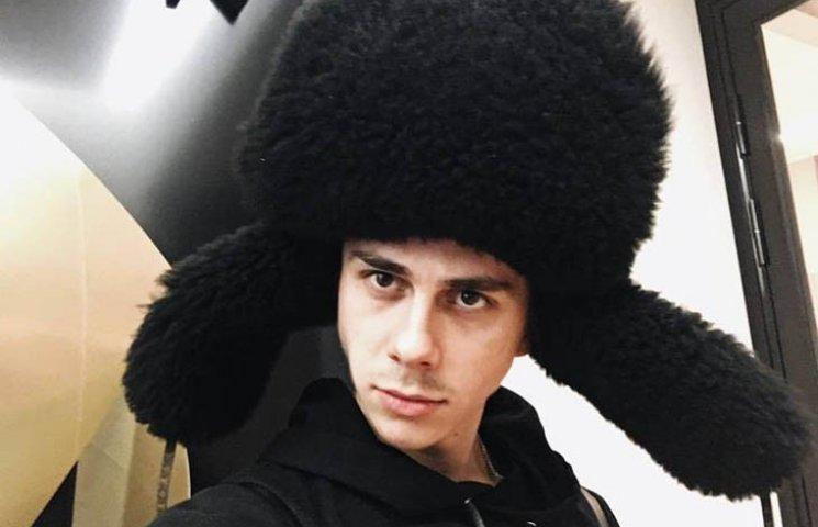 Український дизайнер повністю оголився для британського глянцю