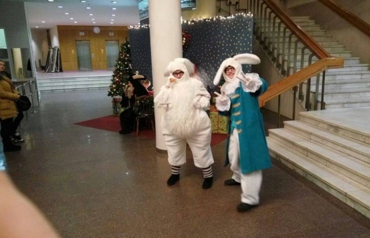 """В будівлі міськраді Дніпра """"поселили"""" зайців за півмільйона"""