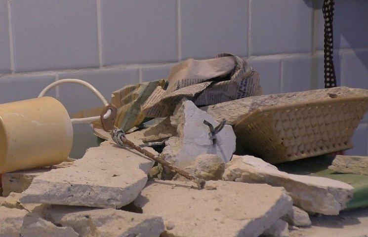 У Полтаві на пенсіонерку у власній квартирі впала стеля