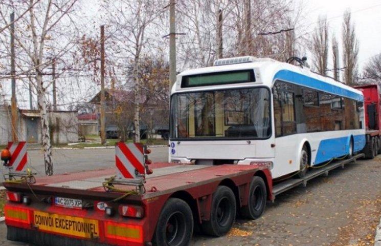 По Дніпру почали курсувати нові білоруські тролейбуси