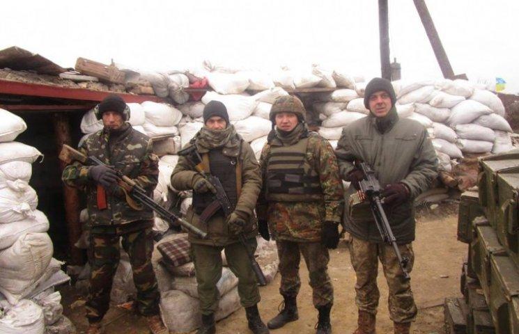 Неофіційні добровольці на Донбасі: Чому…