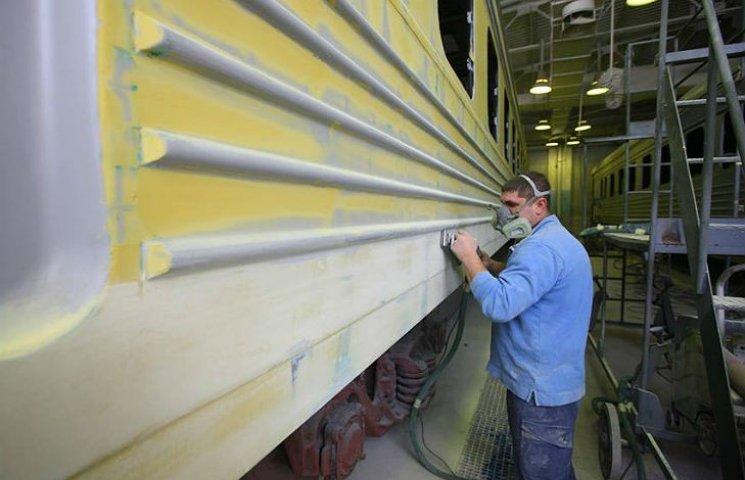"""""""Укрзалізниця"""" отримала вироблені на Полтавщині вагони"""