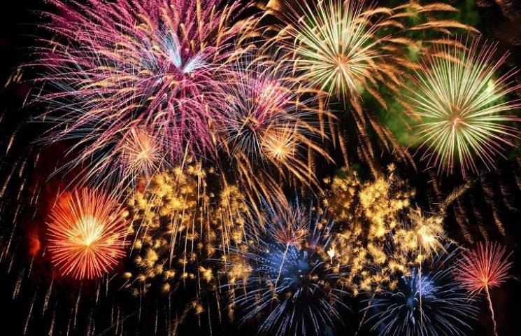 У Филатова запретили фейерверки и салюты на Новый Год