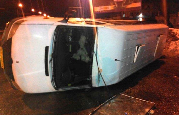 ВПолтаве в итоге трагедии перевернулся автобус
