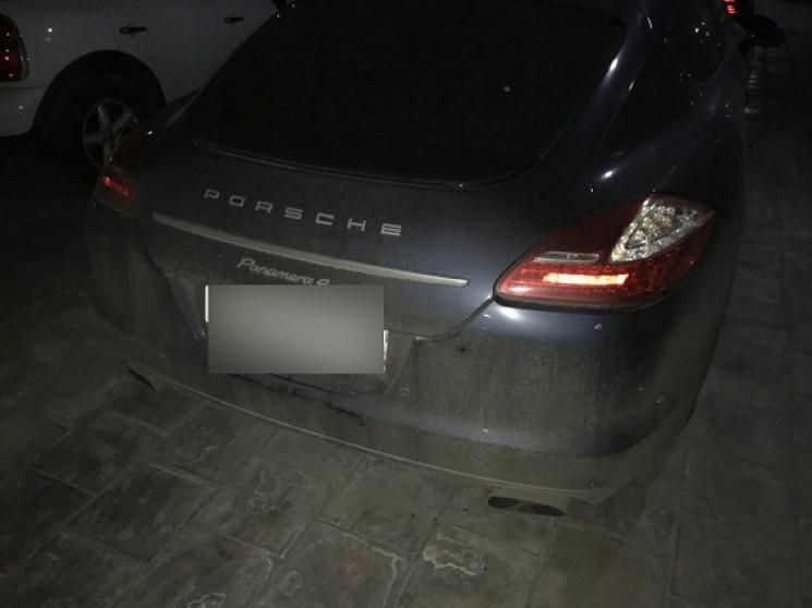 Машину полузащитника Динамо Дениса Гармаша расстреляли изавтомата