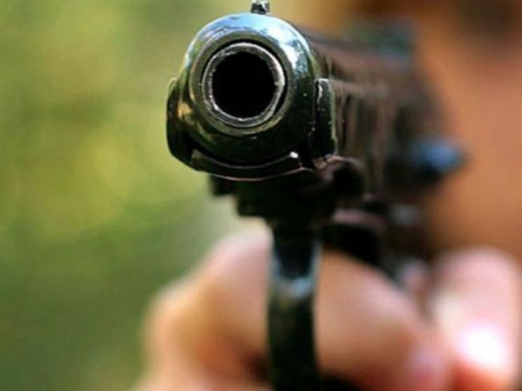 Шепетівчанин з пістолетом нападав на жінок в столиці